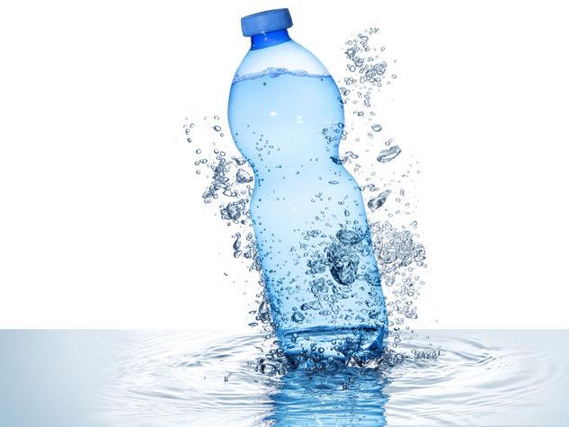 Differenze tra acqua minerale e oligominerale.
